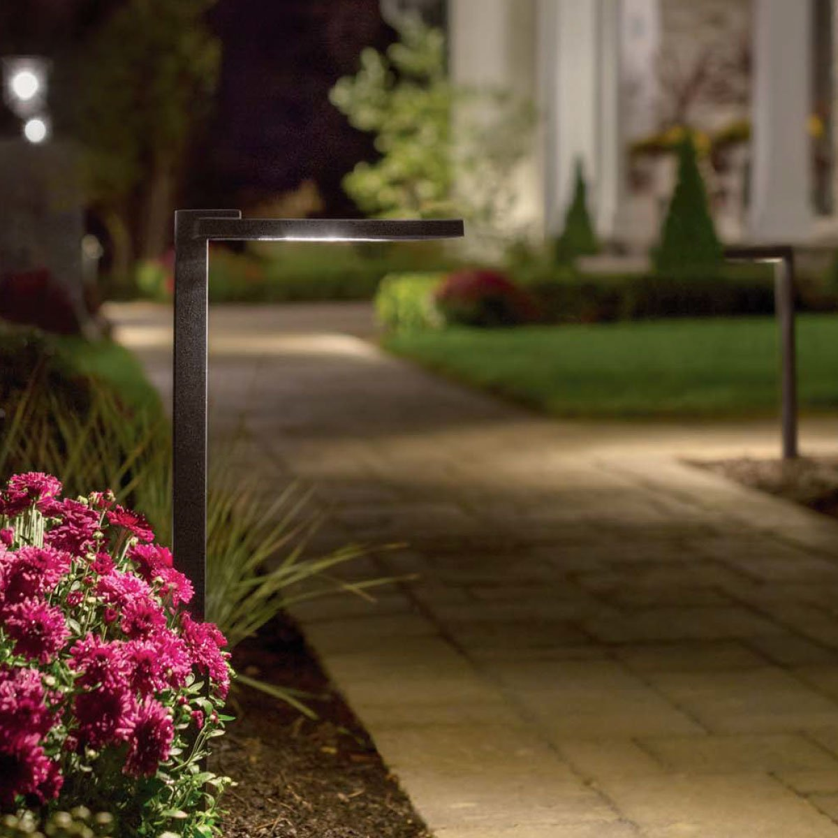 Outdoor Landscape Lighting – Hardscape, Path Lighting & Deck