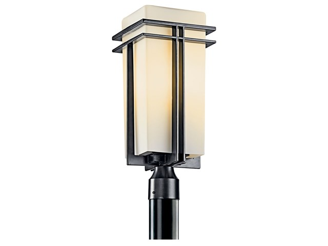 Tremillo 1 Light Post Mount Black