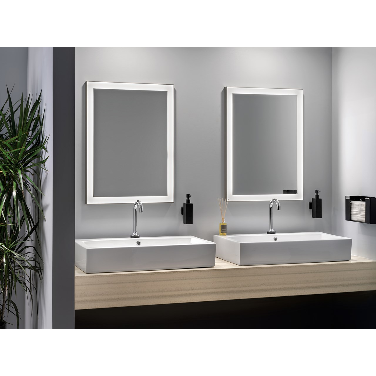 Ryame 24 Quot Lighted Mirror Silver Kichler Lighting
